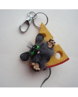 Брелок на сумку Мышь на сыре